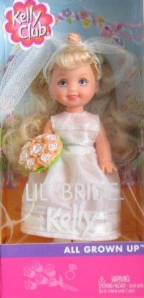 Barbie Lil Bride KELLY Doll - All Grown Up Kelly Club From no longer manufactured. Part of Mattel's Kelly Club collection. Includes doll dressed in a wedding dress, veil and floral bouquet. Barbie 90s, Barbie Skipper, Barbie Kelly, Barbie And Ken, Vintage Barbie, Vintage Toys, Wedding Doll, Wedding Dress, Chelsea Doll