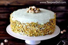 Easy Pistachio Cake Recipe (A tribute to Aunt Lou) Pistachio Cheesecake, Pistachio Cake, Round Cake Pans, Round Cakes, Watergate Cake, Peanut Butter Cup Cookies, Instant Pudding Mix, Savarin, Spring Desserts