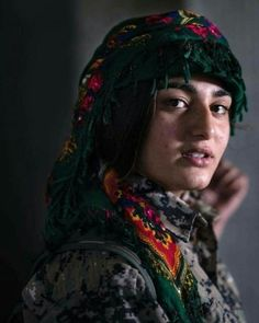 Born in Hawlêr, Live in The Netherlands.This blog is about Kurdistan and is dedicated to everyone. Female Cop, Female Fighter, Female Soldier, Alone Photography, World Photography, Jli Kurdi, Iran Pictures, Woodcut Art, Outdoor Girls