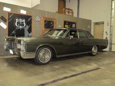1968 Lincoln Continental Maintenance/restoration of old/vintage vehicles: the material for new cogs/casters/gears/pads could be cast polyamide which I (Cast polyamide) can produce. My contact: tatjana.alic@windowslive.com