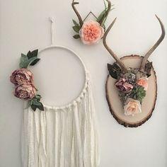 Handmade Home Decor Floral antlers. Bohemian by Gypsydaydream: Shabby Chic Wall Decor, Shabby Chic Bedrooms, Shabby Chic Homes, Diy Wall Decor, Boho Decor, Rustic Decor, Country Decor, Antler Wall Decor, Bohemian Decorating