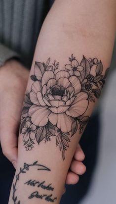 Head Tattoos, Forearm Tattoos, Rose Tattoos, Body Art Tattoos, Tatoos, Tattoo Drawings, Full Sleeve Tattoos, Sleeve Tattoos For Women, Nature Tattoo Sleeve Women
