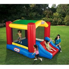 The Little Tikes Shady Jump 'n Slide bouncer is a backyard inflatable with an arching shade canopy for bouncy fun in the sun! This inflatable bouncer features a Inflatable Bounce House, Inflatable Bouncers, Inflatable Slide, Water Bounce House, Bounce House With Slide, Indoor Bounce House, Indoor Playhouse, Build A Playhouse, Outdoor Toys