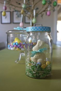 Easter candy jars http://www.365celebration.com/easter/candy/
