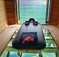 Design that combines my two favorite things: massage and tropics!