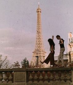 mon amour amazing Tagged with aesthetic couple eiffel tower love paris vintage Travel Aesthetic, Aesthetic Photo, Aesthetic Pictures, Images Esthétiques, The Love Club, Couple Aesthetic, Jolie Photo, Aesthetic Vintage, Aesthetic Grunge