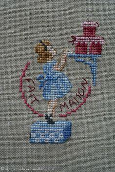 DSC02717 Cross Stitch Kitchen, Cross Stitch For Kids, Cross Stitch Boards, Ribbon Embroidery, Cross Stitch Embroidery, Cross Stitch Designs, Cross Stitch Patterns, Cross Stitch Cushion, Vintage Cross Stitches