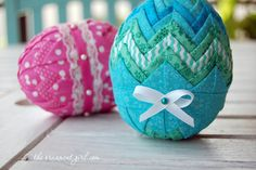 how to make folded fabric Easter eggs