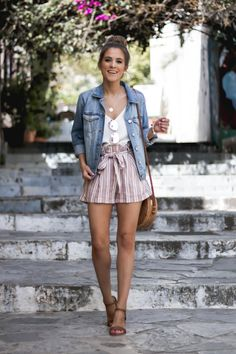 Kurze hose The Dainty Darling Casual In Greece-Charlotte, North Carolina Fashion - Lifestyle - Trave Casual Chic Outfits, Cute Summer Outfits, Short Outfits, Spring Outfits, Trendy Outfits, Cute Outfits, Fashion Outfits, Holiday Outfits, Summer Shorts