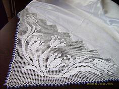 dantel bohça örnekleri 2016 Crochet Borders, Crochet Lace, Baby Knitting Patterns, Crochet Patterns, Fillet Crochet, Crochet Designs, T Shirts For Women, Pillows, Handmade