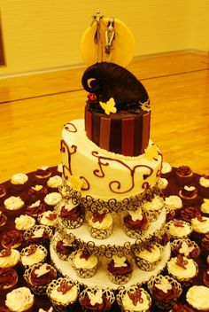 Sweet Elise cakes- Nightmare before christmas wedding cake and cupcakes