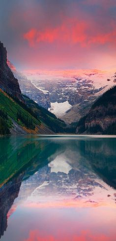 A late summer sunrise, Lake Louise in Banff National Park, Alberta, Canada