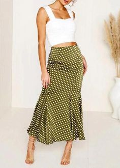 New Exquisite Craftsmanship; Neon Yellow Skirt With 2 Slits Size M