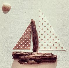 Driftwood Canvass 'Beach Hut' Picture by vanillaHUTS on Etsy, £12.50