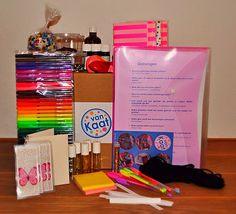 Feestpakket parfumfeest met alle benodigdheden voor het parfum maken en de geplande spellen. Kijk voor de leukste kinderfeestjes bij je thuis op www.vanKaat.nl