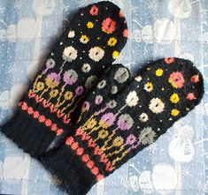 Bloomin' Happy Mittens Ravelry: Bloomin' Happy Mittens History of Knitting Yarn spinning, weaving and sewing jobs such as for exa. Fingerless Mittens, Knitted Gloves, Knitting Socks, Hand Knitting, Loom Knitting Patterns, Knitting Projects, Knitting Tutorials, Hat Patterns, Socks