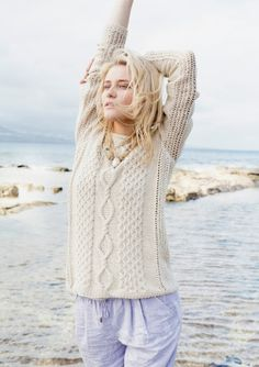 Oppskrifter - Alle gratisoppskrifter - Genser - Dame - Strikke - Norsk - Sandnes Garn Handgestrickte Pullover, Pullover Design, Cable Sweater, Cable Knit, Tweed, Hand Knitted Sweaters, Knitting Sweaters, Angora, Crochet Fashion