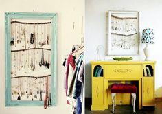 Que tal deixar seus colares a vista? Veja como: http://www.casadevalentina.com.br/blog/materia/colares-na-parede.html #decor #decoracao #moda #fashion #diy #casadevalentina