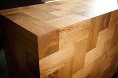 each piece tells a different story  Kitchen island made with 13x13x26cm solid oak blocks.  design: gentlemaker.pl woodwork: pracownia-tryktrak.pl