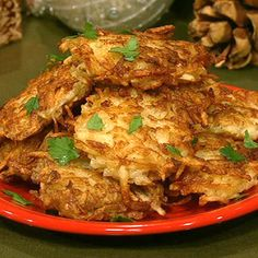 The Chew: Michael Symon's Dad's Potato Pancakes The Chew Recipes, Side Dish Recipes, Breakfast Time, Breakfast Recipes, Potato Pancakes, Potato Latkes, Liver And Onions, Brunch, Good Food