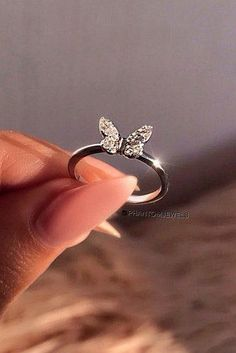 verlobungsring silber The Most Popular Promise Rings For Your Love promise rings tiara rings engagement rings silver engagement rings unique engagement rings beautiful engagement rings phantomjewels Stylish Jewelry, Cute Jewelry, Luxury Jewelry, Jewelry Accessories, Fashion Jewelry, Jewelry Ideas, Fashion Necklace, Fashion Rings, Women Jewelry