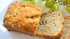 Heb je last van overwicht en wil je graag afvallen? Probeer dan een dieet met koolhydraatarm brood. We geven een paar variatietips. Brood eten is namelijk geen slim idee als je wilt afvallen. Je raakt er niet van verzadigd en het bevat zout en gluten. Ook maak je veel insuline aan door het eten van brood