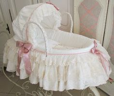 Yesterday I finished making this cosy Moses Basket, I think it is the sweetest colour for a new baby girl. Baby Basinets, Baby Crib Diy, Baby Nest, Baby Cribs, My Baby Girl, Baby Love, Moses Basket, Dream Baby, Wishes For Baby