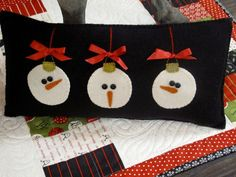 snowmen pillow for Christmas and January