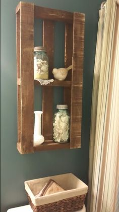 Stained pallet. Rustic decor. Guest bath.