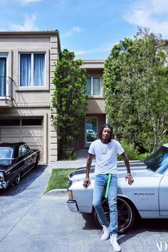 """I don't bring people to my house,"" Wiz Khalifa says of the Mediterranean-style residence he shares with his son Sebastian Wiz Khalifa, Rapper Quotes, Lyric Quotes, Quotes Quotes, Old School Pictures, Lil Boosie, Taylors Gang, Bottle Tattoo, Dope Wallpapers"