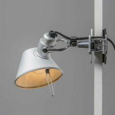 ARTEMIDE Tolomeo Micro Pinza aluminio - Lámpara de pinza Artemide Tolomeo Micro Pinza. Es un diseño clásico de Artemide diseñado por Giancarlo Fassina y Michele De Lucchi. Es un objeto atemporal y de estilo funcional.