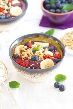 Acai bowl - but instead of apple juice, I would use coconut water (less points)