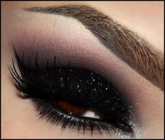 Did you know the first eyeshadow ever worn was made by the Egyptians from precious stones nearly 12,000 years ago. What would we do without our smokey eyes :-) #makeup #eyes #beauty #facts