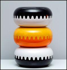 "Mebel, ""Clam"" melamina ashtray, design Alan Fletcher 1970"
