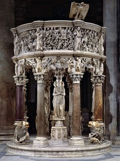 (son of Nicola) Giovanni Pisano (c. 1250 – c. 1315) - Pulpit, 1301-1310 - Duomo, Pisa Cathedral, Italy