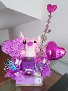 LUCIE Gifts Arrangements Of Stuffed Animals, Arrangements Du – San Val … – Valentine's Day Birthday Bouquet, Diy Birthday, Birthday Gifts, Happy Birthday, Ballon Arrangement, Candy Arrangements, Bee Drawing, Weird Gifts, Surprise Box