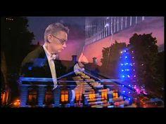 Andre Rieu - Concierto de Aranjuez and Swinging Bells of Limburg - YouTube