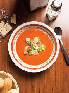 Ricardo& recipe: BLT Cream of Tomato Soup Salad Recipes Video, Salad Recipes For Dinner, New Recipes, Cooking Recipes, Healthy Recipes, Healthy Food, Tomato Soup Recipes, Shrimp Recipes, Tomato Risotto