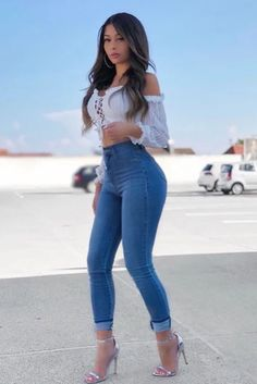 Girl Outfits, Cute Outfits, Fashion Outfits, Sexy Casual Outfits, Jean Outfits, Jeans Fashion, Fashion Clothes, Fashion Trends, Sexy Jeans