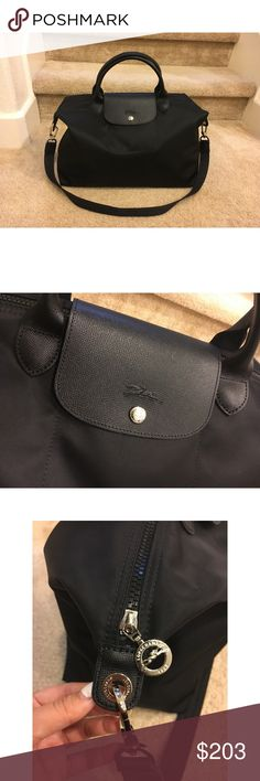 Authentic Longchamp Le Pliage Neo Travel Handbag ✨Authentic, brand new never used Longchamp handbag with a detachable shoulder strap so it can be worn as a shoulder bag as well! ✨Perfect size for traveling, can hold A LOT ✨Zipped compartment with snap closure flap *see picture^ and the interior has one small pocket ✨Hardware finish: Nickel Body: Polyamide canvas with inside PVC coating Trimming: Cowhide Lining: Polyamide Pictures bag & price is the large, I also have one in medium for $15…
