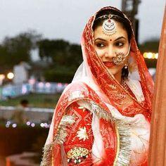 Rajput Jewellery, Saree Designs Party Wear, Rajasthani Dress, Petite Bride, Rajputi Dress, Royal Look, Royal Dresses, Ethnic Dress, Bollywood Saree