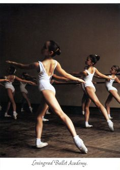 ballet class    alyce lee via Jamie McQueen onto Dance & Movement
