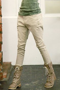Today's Hot Pick :Multi-Pocket Semi-Hammer Pants http://fashionstylep.com/SFSELFAA0000418/happy745kren/out High quality Korean fashion direct from our design studio in South Korea! We offer competitive pricing and guaranteed quality products. If you have any questions about sizing feel free to contact us any time and we can provide detailed measurements.
