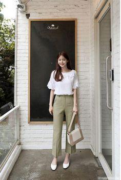 Trendy Ideas for minimalist fashion winter casual Korean Fashion Winter, Winter Fashion Casual, Korean Fashion Trends, Korea Fashion, Asian Fashion, Trendy Fashion, Fashion Outfits, Trendy Clothing, Korean Fashion Office