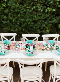Modern holiday decor ideas | Wedding & Party Ideas | 100 Layer Cake