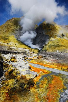 White Island's active Volcano, North Island, New Zealand by Tristan27