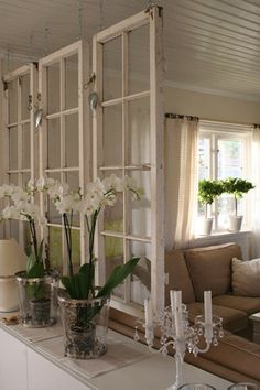 Old windows make a great room divider for a shabby chic decor! Old windows make a great room divider for a shabby chic decor! Old Window Frames, Old Window Ideas, Window Wall, Window Frame Decor, Room Window, Old Window Headboard, Old Window Projects, Decorating With Window Panes, Half Wall Decor