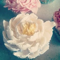 Buttercream flower cupcake by Evie and Mallow