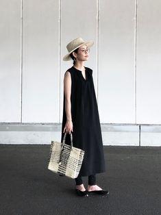 yukiさんのコーディネート Japan Fashion, Girl Fashion, Fashion Outfits, Womens Fashion, Fashion Design, Japan Summer Outfit, Summer Outfits, Minimalist Fashion Summer, Dress Over Pants