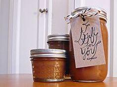 A Homemade Gift Even I Can Make: Gingerbread Caramel Sauce